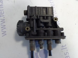 Volvo FH air suspention control valve 21083657