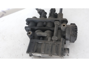 VOLVO FH4 suspension control valve 21083657, K019820