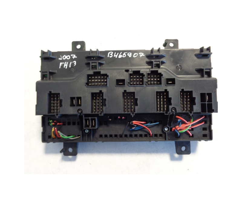 volvo central fuse box 20568055 p03 ferikas. Black Bedroom Furniture Sets. Home Design Ideas