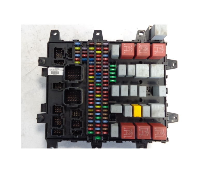 renault central fuse box 5010590677 ferikas. Black Bedroom Furniture Sets. Home Design Ideas