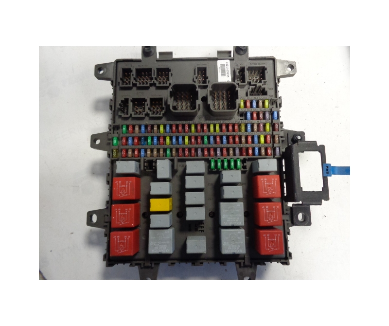 renault central fuse box 7421169993 ferikas. Black Bedroom Furniture Sets. Home Design Ideas