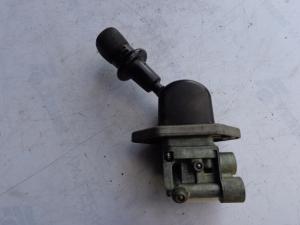 MAN hand brake valve 81523156156, 81523156171