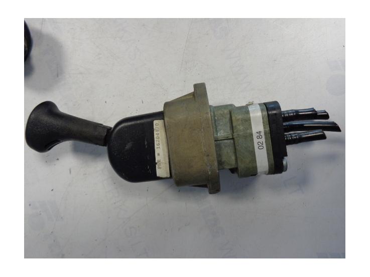 Mercedes Benz Actros parking brake valve 0004200284