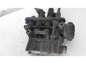 VOLVO FH4 suspension control valve 21083657, K019820