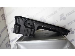 Brand new OEM MB Actros MP4 oil pan...