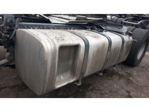 DAF XF 106 complete fuel tank 765L with brackets 1944803