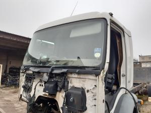 Volvo FL240 Cab 85110564 85110574