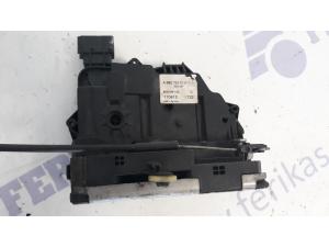 MB Actros MP4 durų spyna dešinė A9607230101
