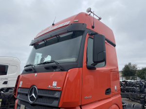 MB actros MP4 gigaspace A0006001005 кабина