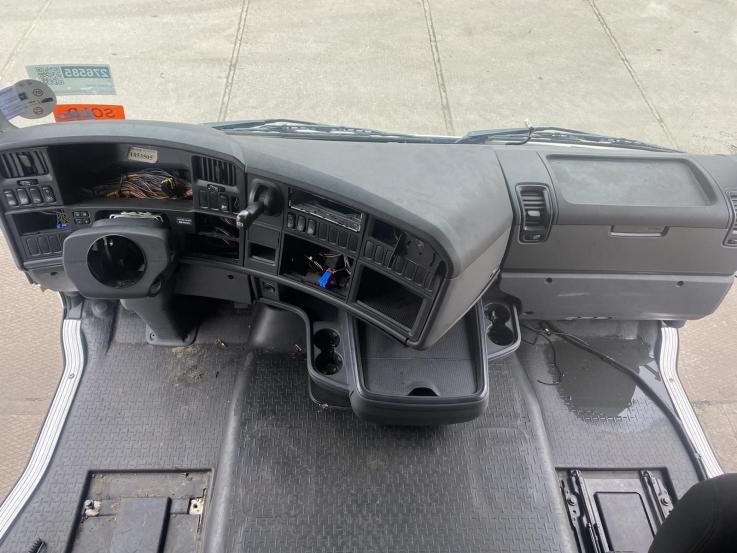 Scania R , G ,P ,T apatinė prietaisų panelė 1942220 1853564 pilnas komplektas