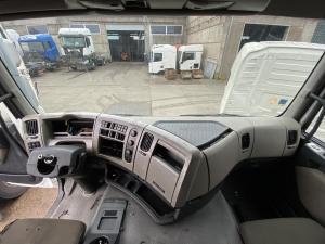 Renault Premium apatinė panelė 5010605876 pilnas komplektas