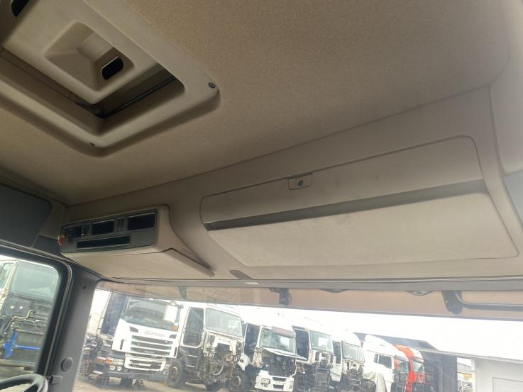 Scania R , G , P kabinos tipas CR19 viršutinė daiktadėžė