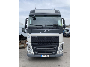 2015 Volvo FH4 EURO6 breaking for parts