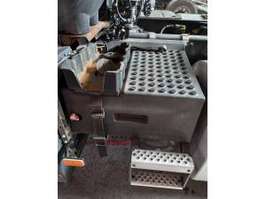 Volvo FH4 EURO 6 akumuliatorių dėžė 22054625, 22095787, 22078082